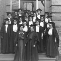 Women graduates on the steps of University College