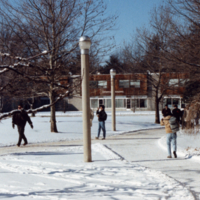 UTM, students walking to and from class in snow