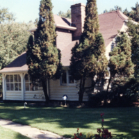 Erindale College (UTM), Artist's Cottage, summer scene