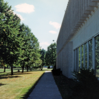 Erindale College (UTM), North Building, pathway on the side
