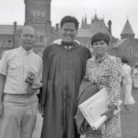 UTM Convocation (June 1990), graduate with family