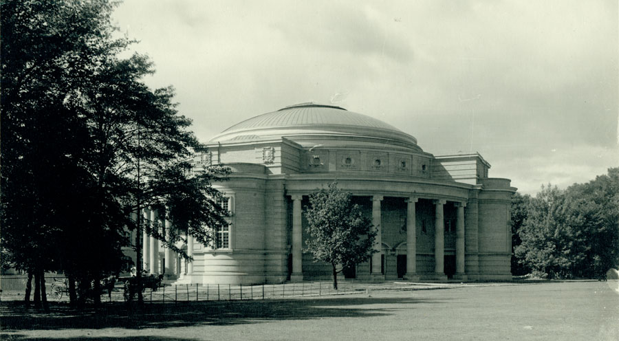 Convocation Hall, ca. 1910, from the University of Toronto Archives Image Bank collection
