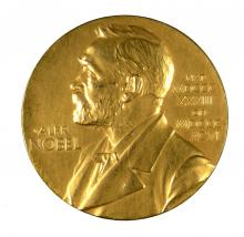 Banting and Macleod are awarded the Nobel Prize in Medicine